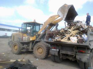 Вывоз строительного мусора с погрузчиком Абакан 2